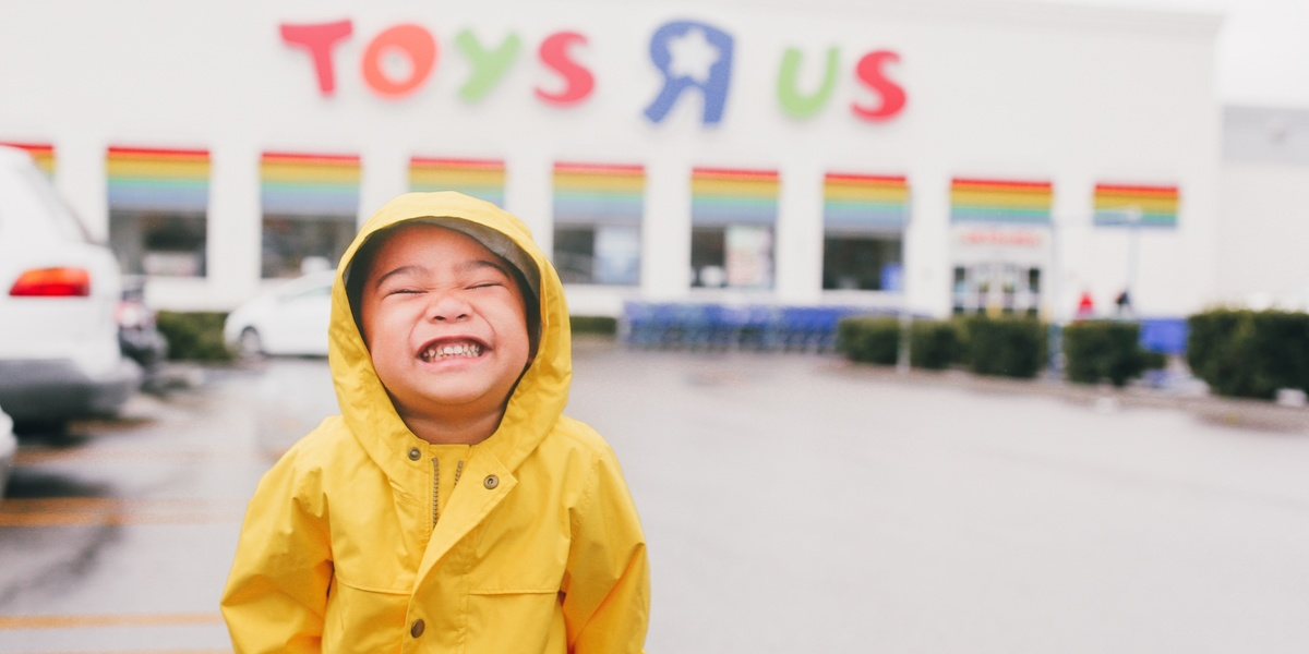 Toys 'R' Us is coming back in time for Christmas thanks to Target 🙌