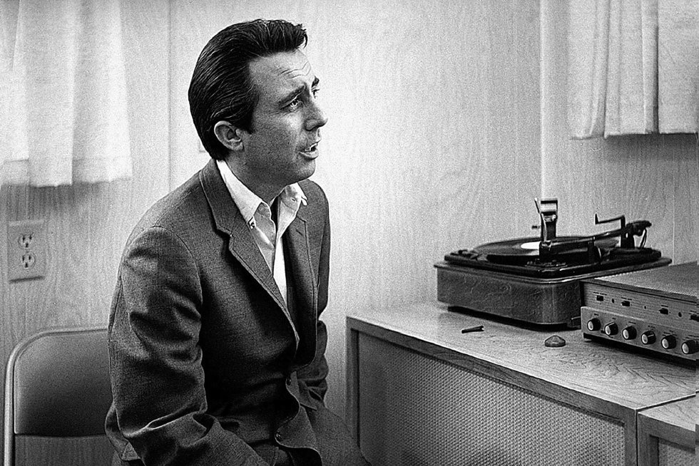 Chronicling Lee Hazlewood s Remarkable Career: An Interview with Hunter Lea
