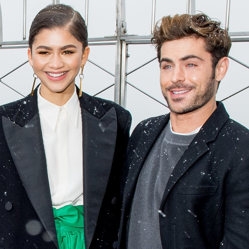 Zac Efron and Zendaya Suffered a Trapeze Collision While Filming 'The  Greatest Showman' and Ouch