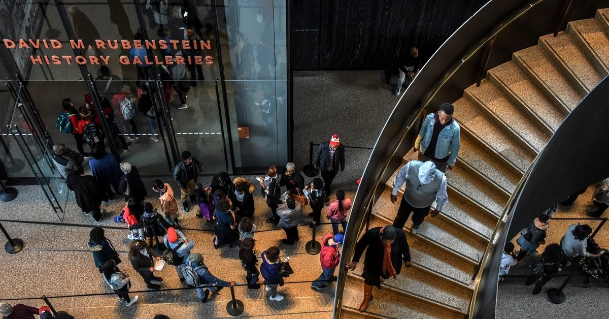Connecticut School Group Kicked Out Of African American History Museum After White Student Spits On Black Visitor
