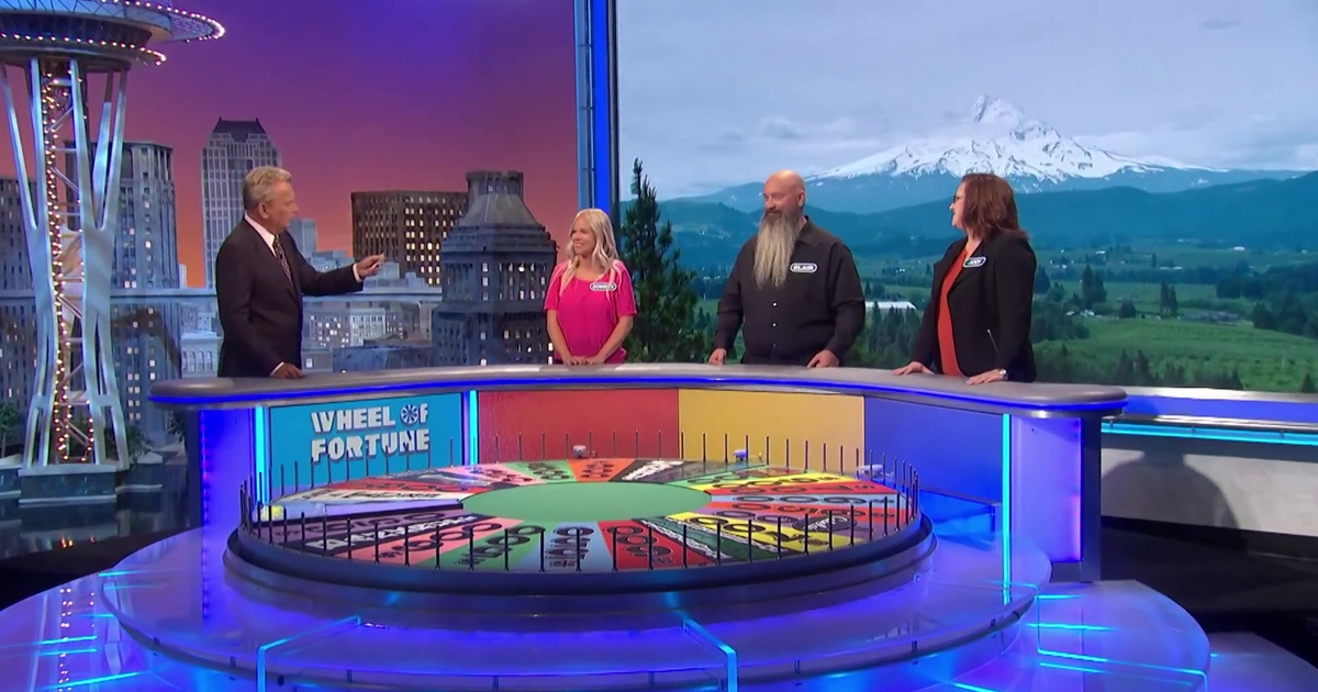 'Wheel Of Fortune' Contestant Throws His Whole Family Under The Bus With Iconic Introduction