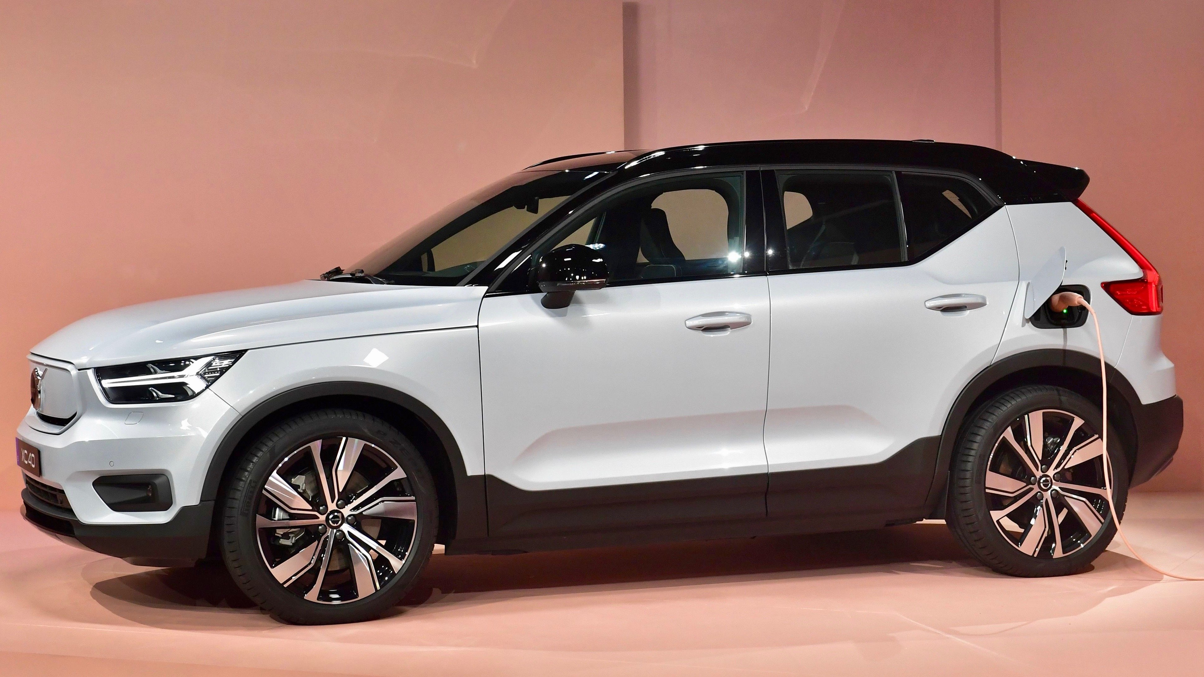 Volvo s First EV Comes With a Plan to Slash Emissions