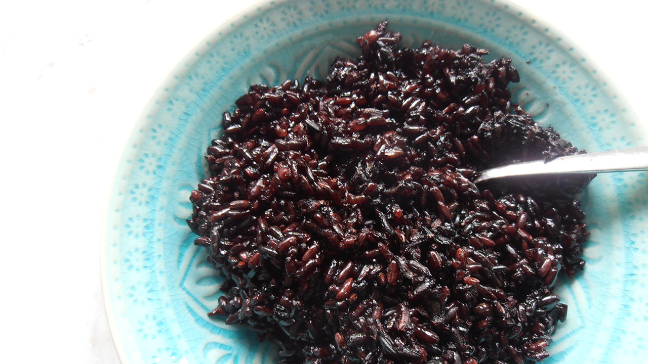 photo of 11 Surprising Benefits and Uses of Black Rice image