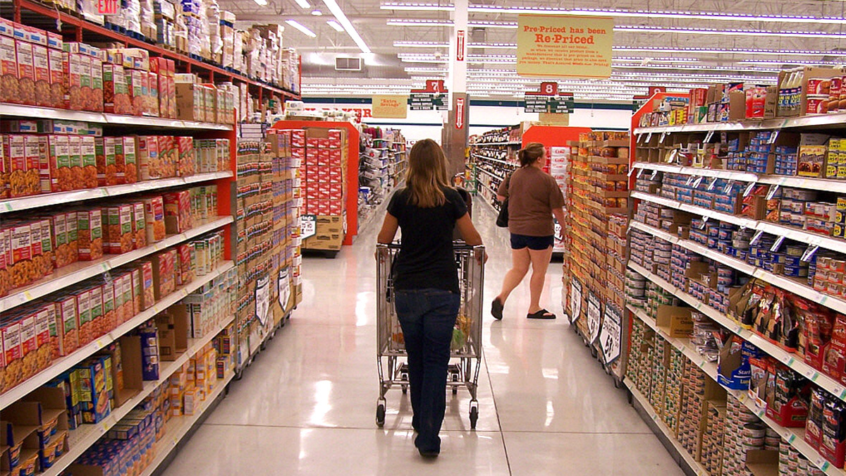 There Are 2 000 Untested Chemicals in Packaged Foods — and It's Legal