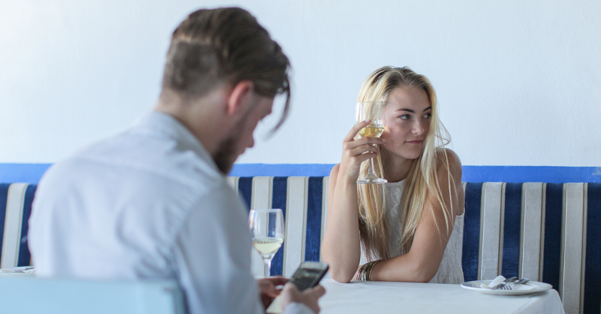 People Explain What Would Instantly Ruin A Date For Them