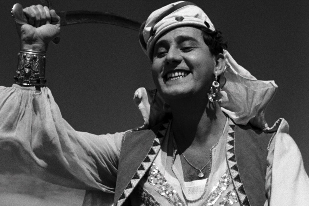 When Real Life Begins: On Fellini s  The White Sheik