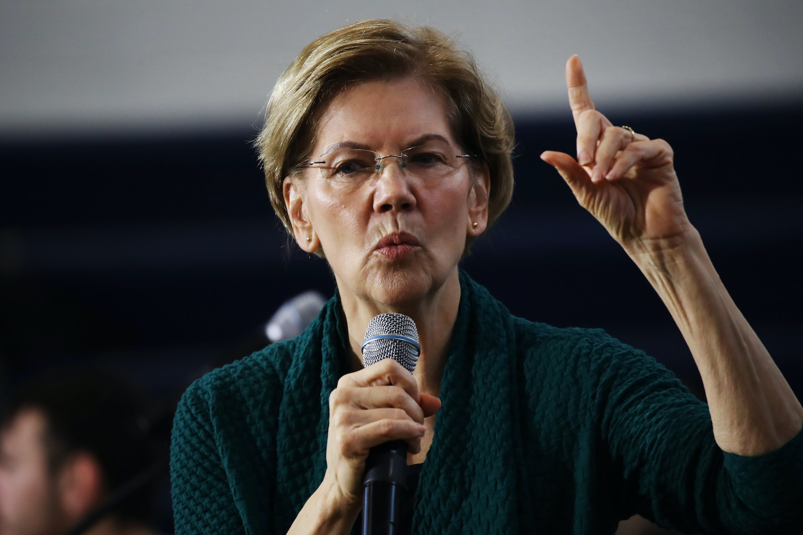 Elizabeth Warren slams Michael Bloomberg as an 'egomaniac billionaire' ahead of Democratic debate