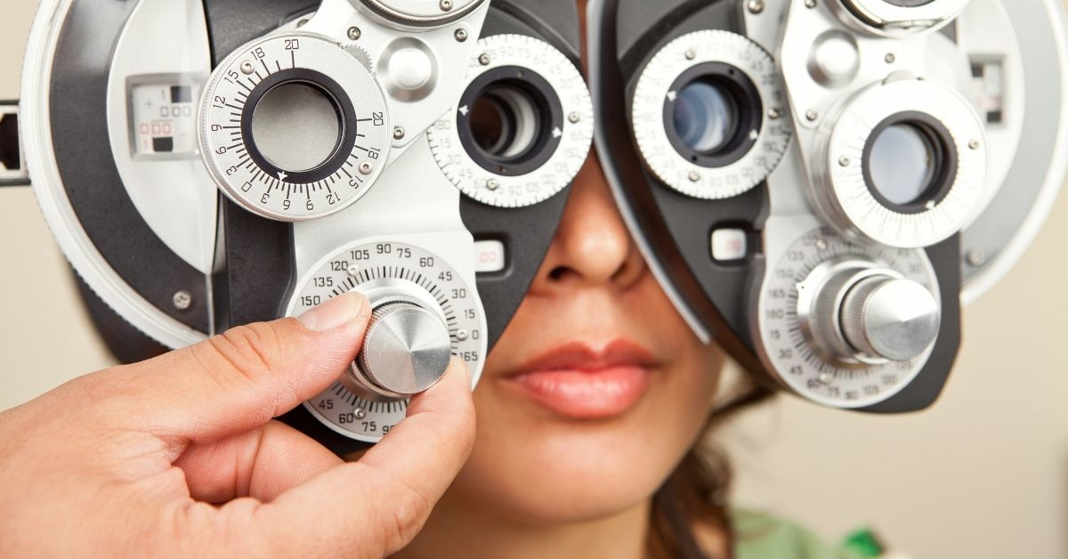 Woman Wonders If She's In The Wrong For Calling The Police After Her Optometrist Refused To Hand Over Her New Prescription