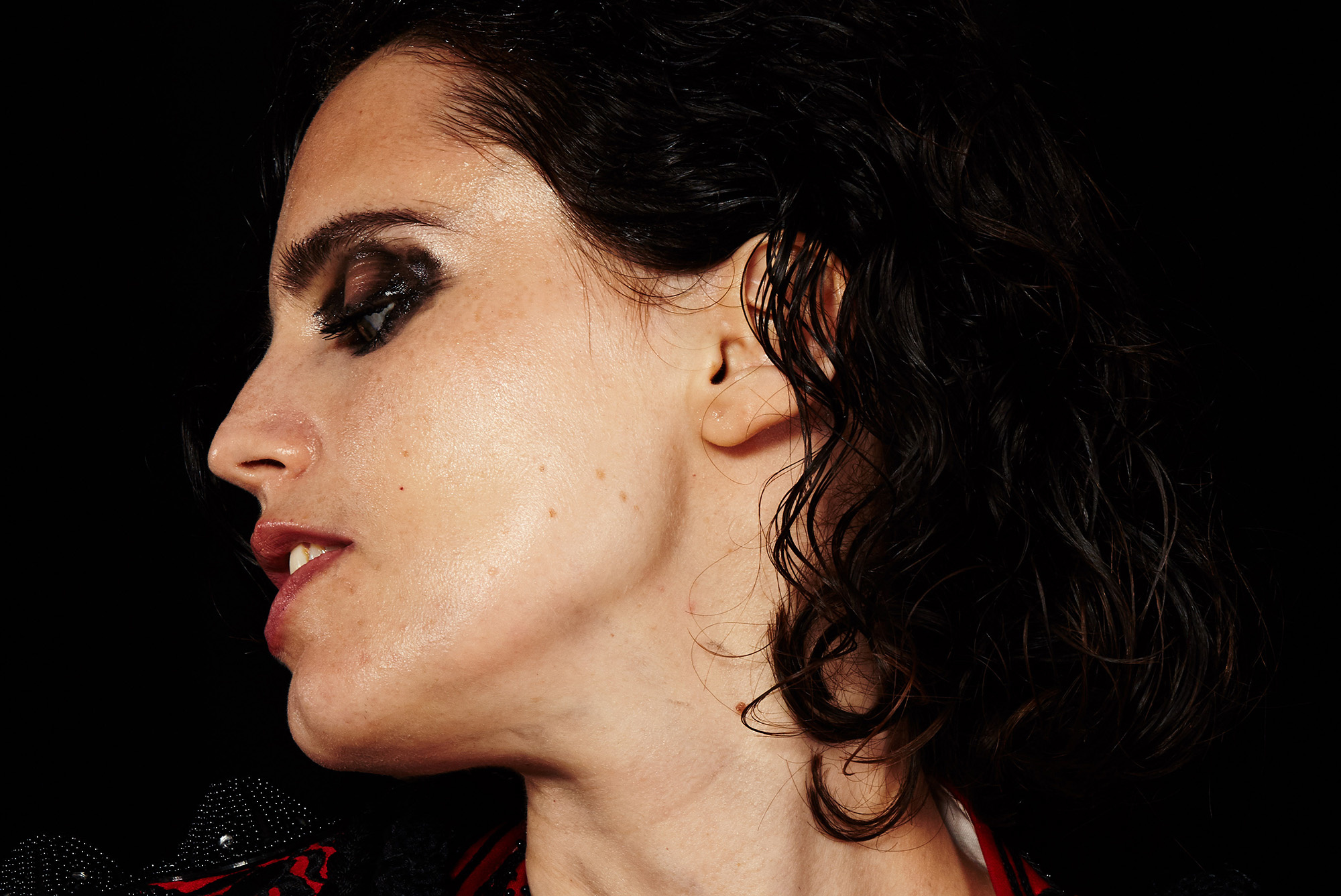 Anna Calvi Re-writes Her Own History on  Hunted