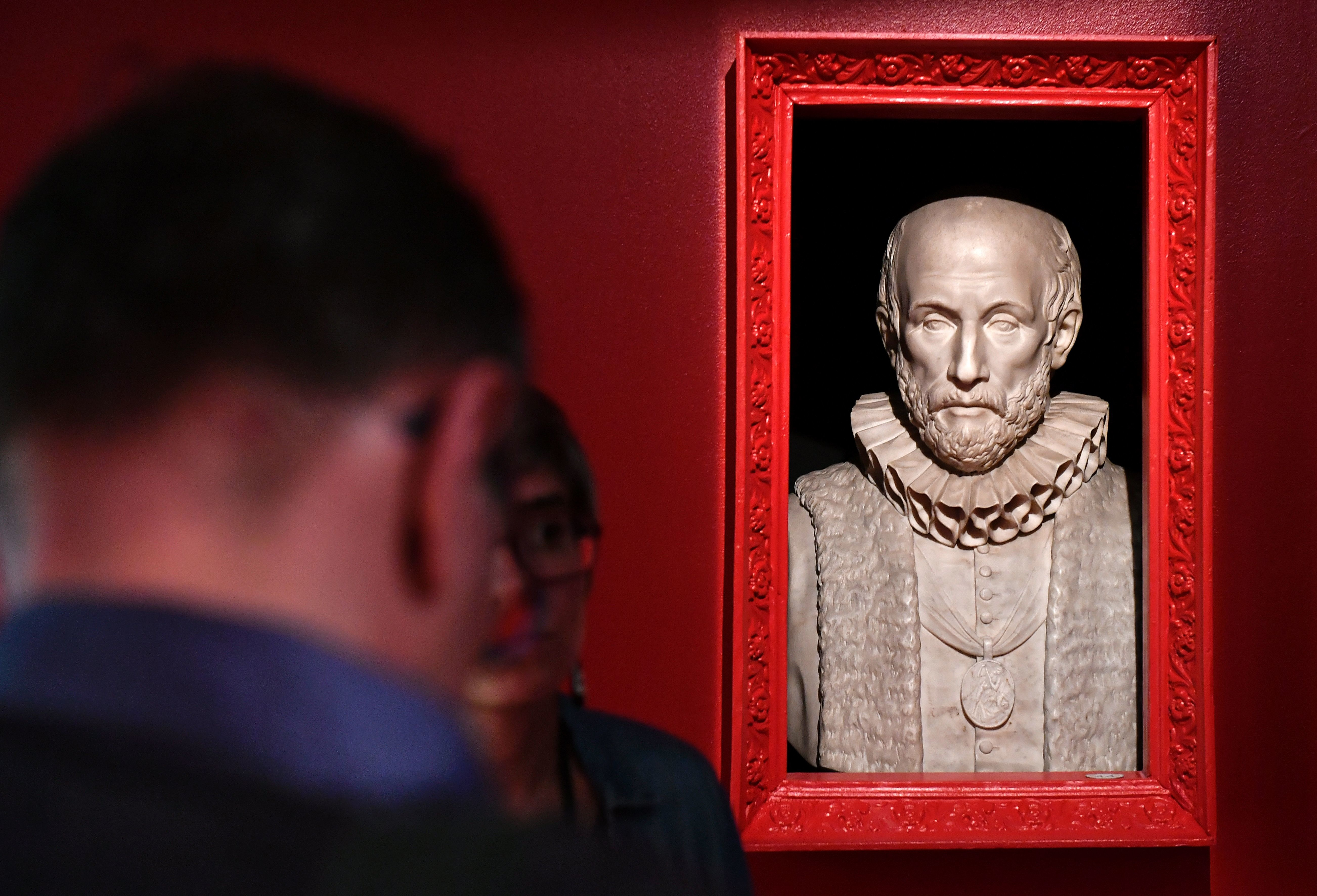 Don't take life so seriously: Montaigne's lessons on the inner life