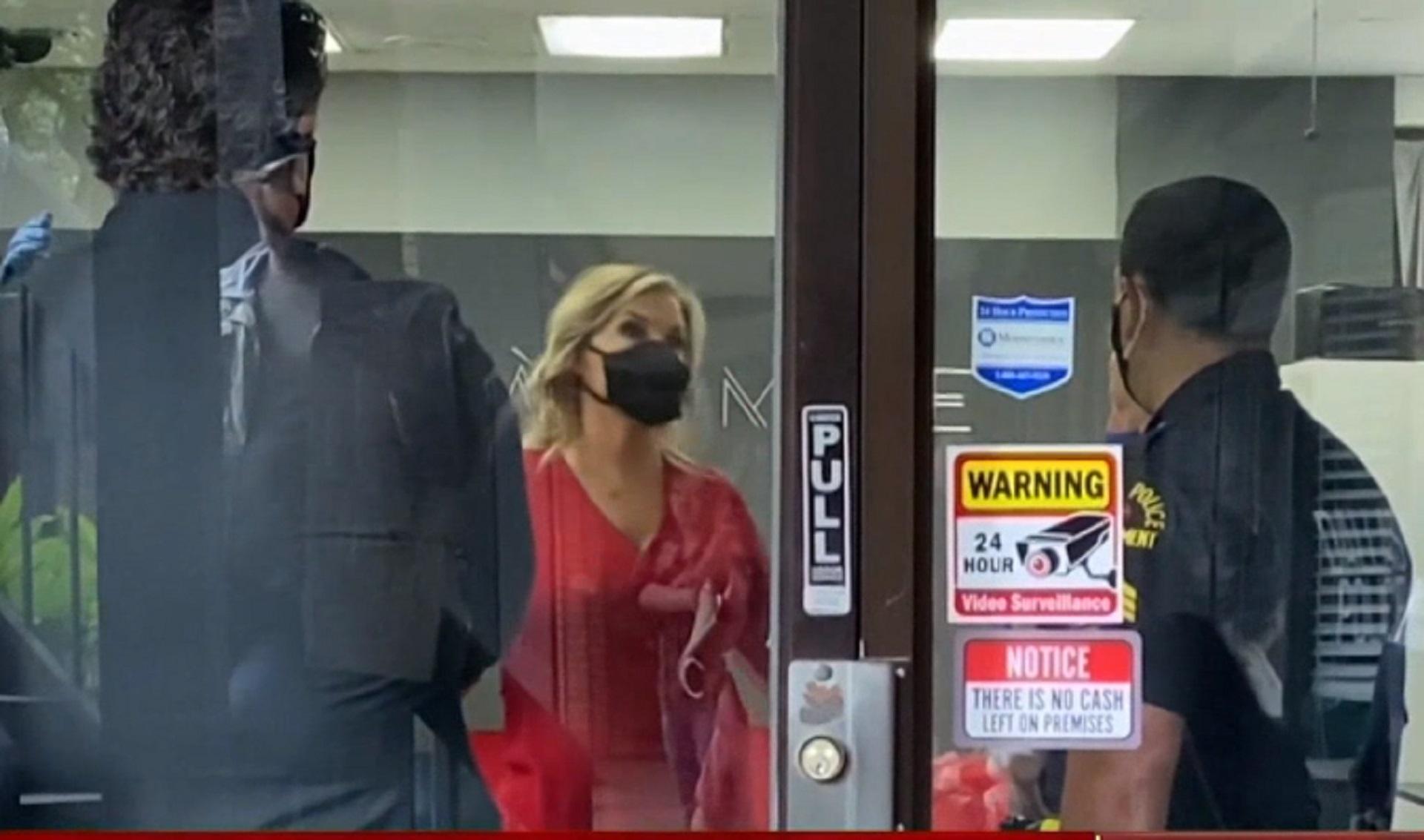 Dallas salon owner reopens, refuses to close despite government threats