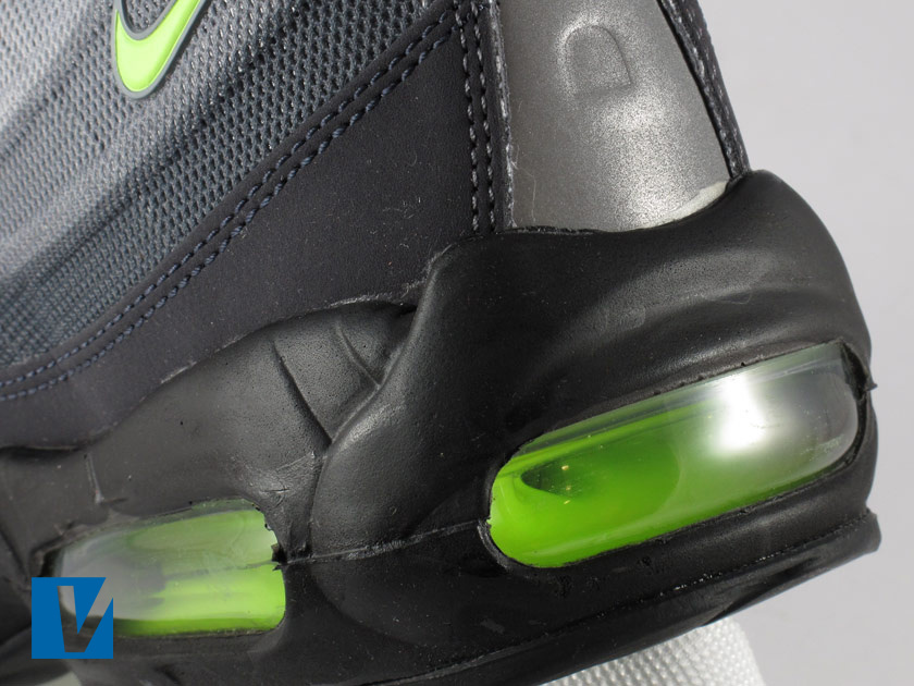 How to spot fake nike air max 95's - B C Guides