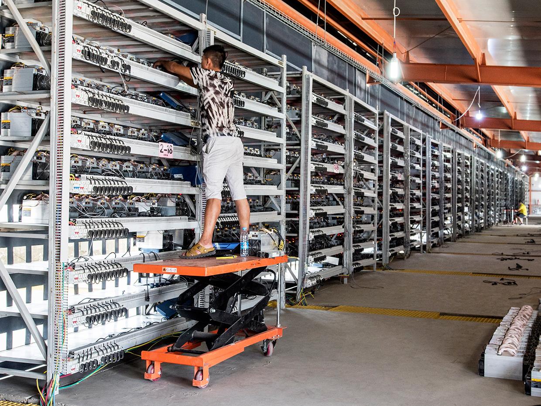 Bitcoin, ecco la miniera italiana dove nasce l'oro 4.0 (e come funziona)
