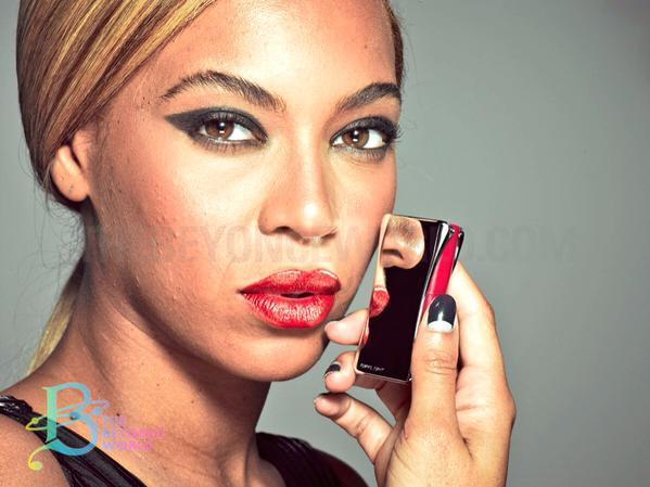 Non-Flawless Photos of Beyoncé Surface
