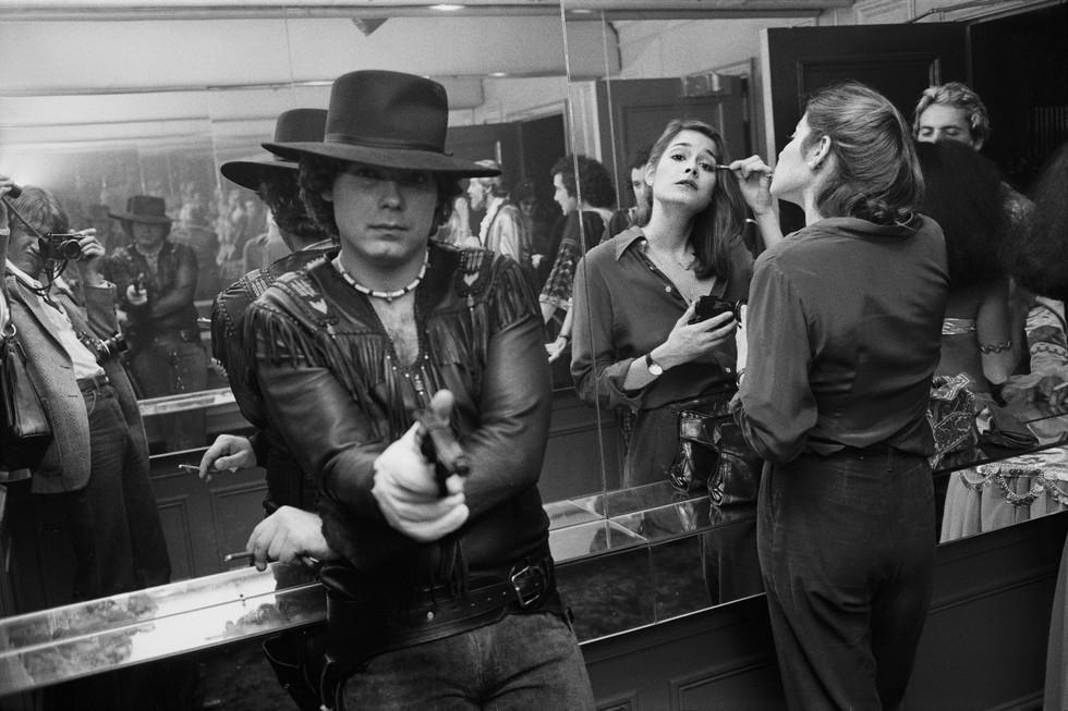 Scope Amazing Never Before Published Photos Of Studio 54