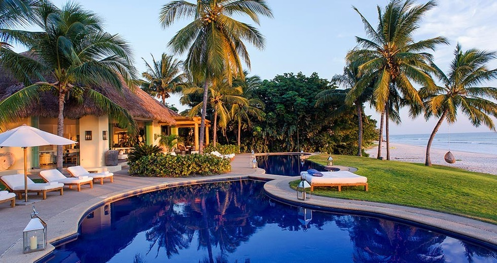 Ciara And Her Boyfriend Definitely Did Not Bang In Joe Francis House Mexico