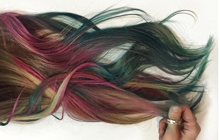 New hair color technique produces mermaid like locks for Fluid hair painting