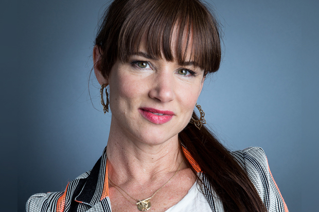 Watch juliette lewis say hell no to adele 39 s hello for Adele salon services
