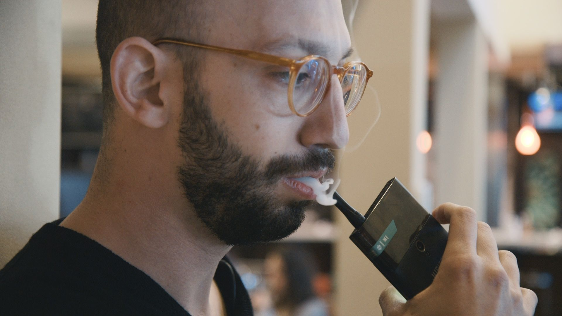 Weed Tech From CES: Is it a Smartphone? Is it a Vape Pen? It's both