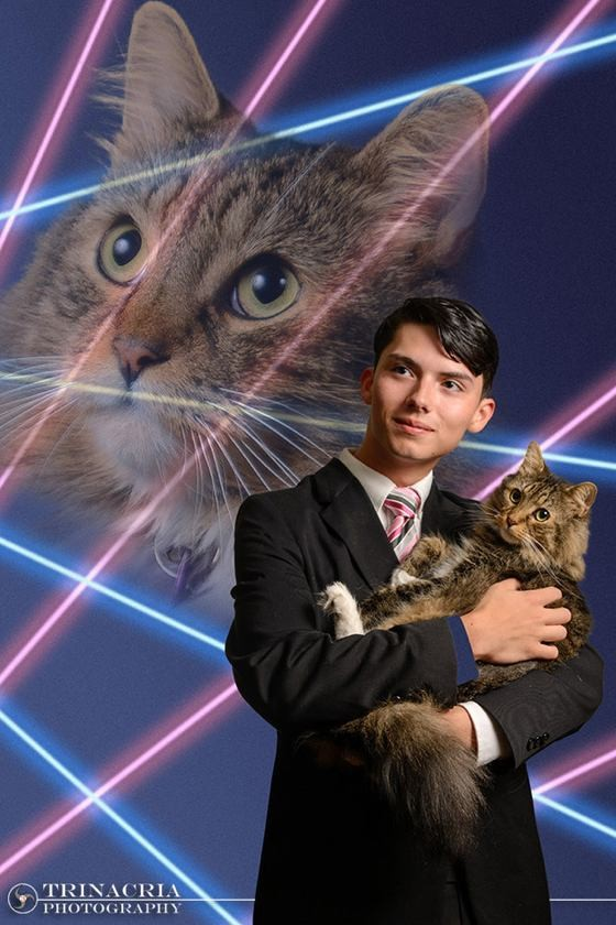 high school student wants senior picture with beloved cat