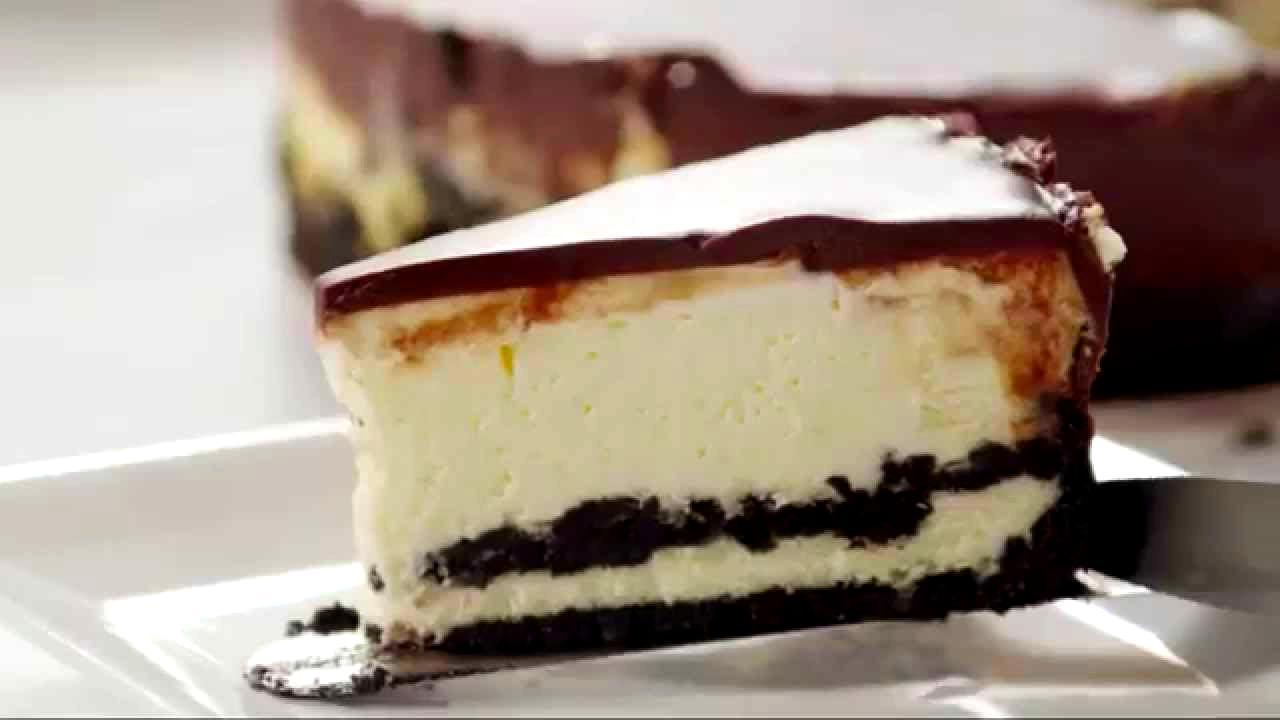 Grind Your Girl Scout Cookies Into Cheesecake