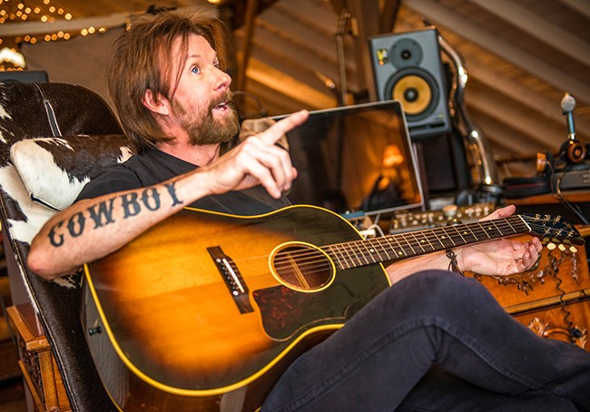 ronnie dunn recording studio behind the scenes one country. Black Bedroom Furniture Sets. Home Design Ideas