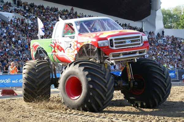 12 things we saw at the monster truck rally one country. Black Bedroom Furniture Sets. Home Design Ideas