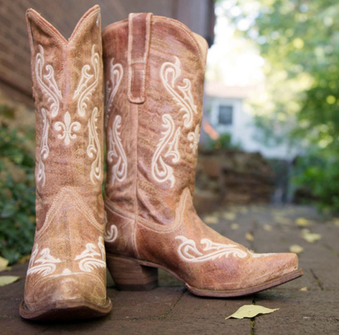 Cowgirl Boots Wide - Boot End