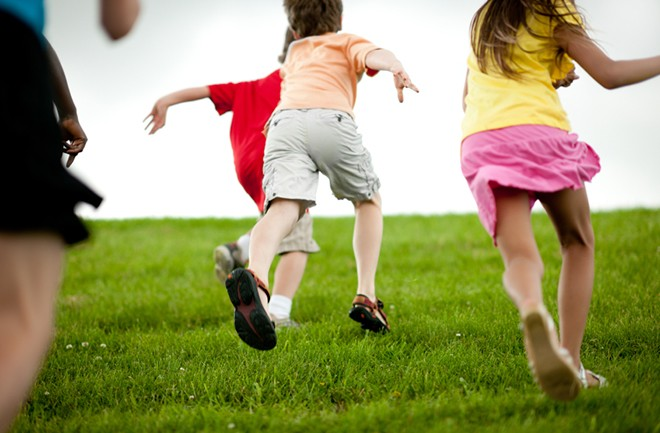 Single sport focus before age 12 poses injury risk in ...