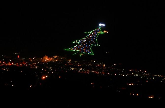 Pope Francis Illuminates World's Largest Christmas Tree