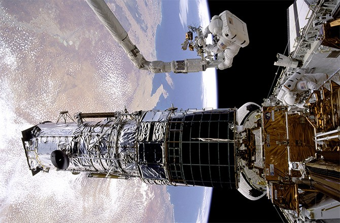 Hubble at 25: Brief History of the Hubble Space Telescope ...