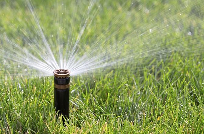 California drought by the numbers seeker for Aspersor de jardin