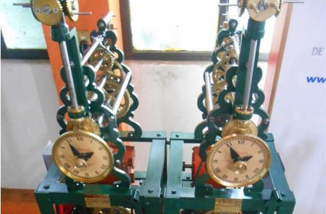 350-Year-Old Pendulum Clock Mystery Solved