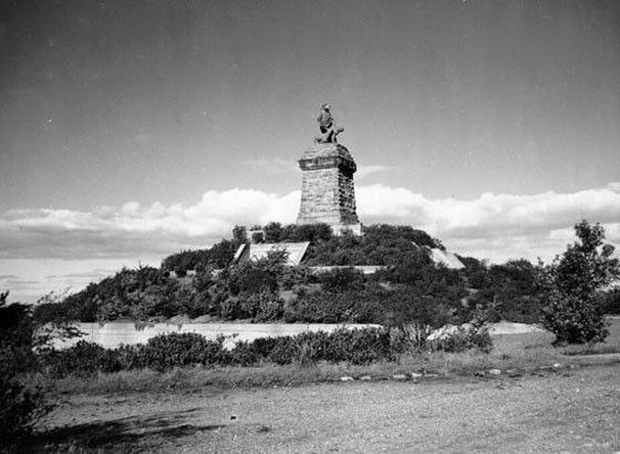 the secret history behind sf's mount olympus statue - 7x7 bay area