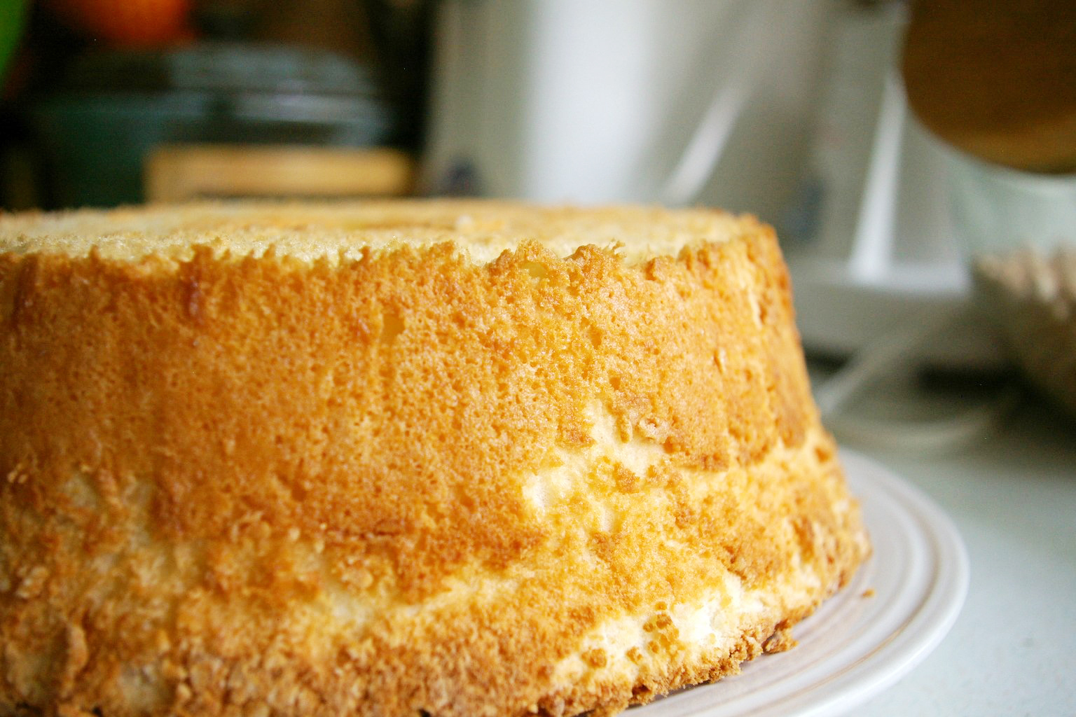 Sink Your Teeth Into This Super Moist, Cannabis-Infused Lemon Blundt Cake