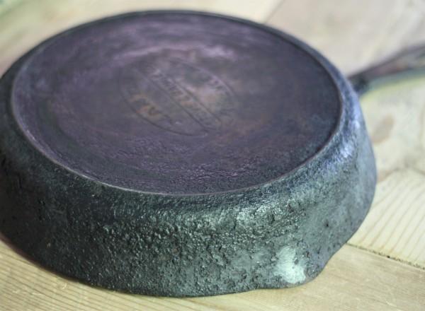 restoring seasoning cast iron pans. Black Bedroom Furniture Sets. Home Design Ideas