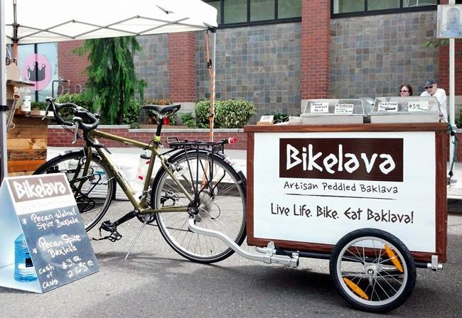 La Calle Car Bike Show