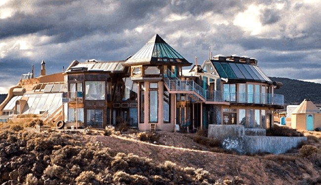 40 incredible photos show why earthships make the perfect home