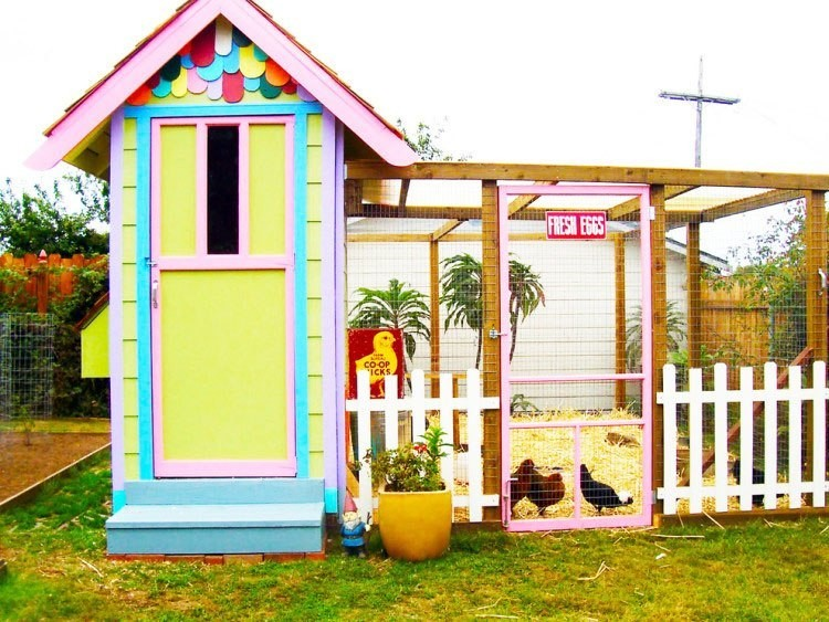 21 of the most outrageously cool chicken coops which is for Cool chicken coop plans