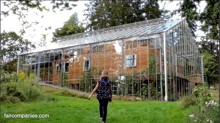 Superieur Couple Builds Greenhouse Around Home To Grow Food And Keep Warm