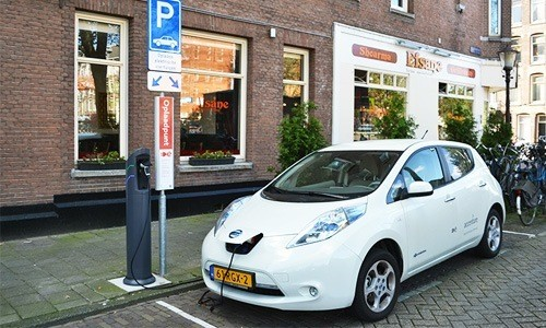 Bloomberg: The Electric Car Revolution Is Here to Stay