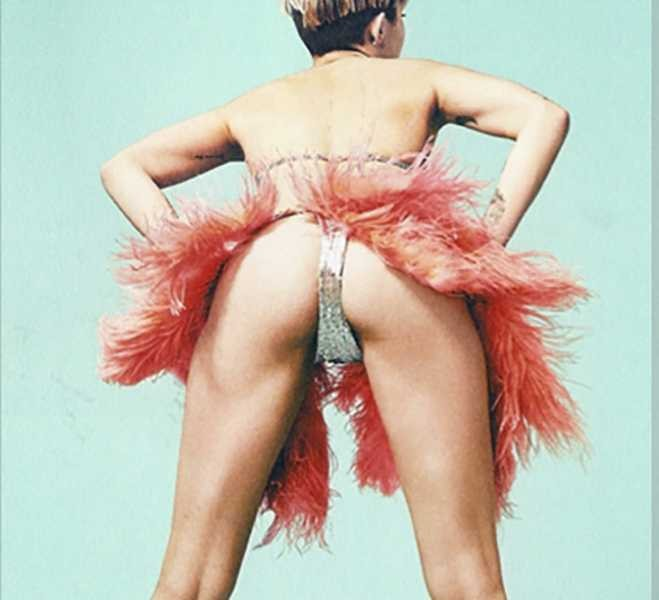 Miley Cyrus Gets Her Drag Ongoes Totally Naked For V -7014