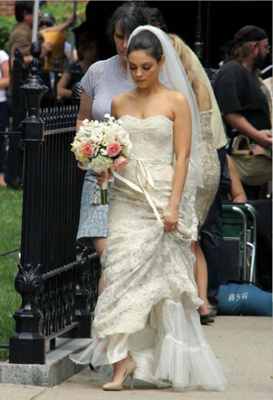 ashton kutcher mila kunis marriage facts