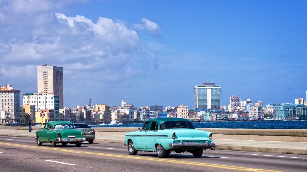 Malecòn, roadway in Havana, Cuba