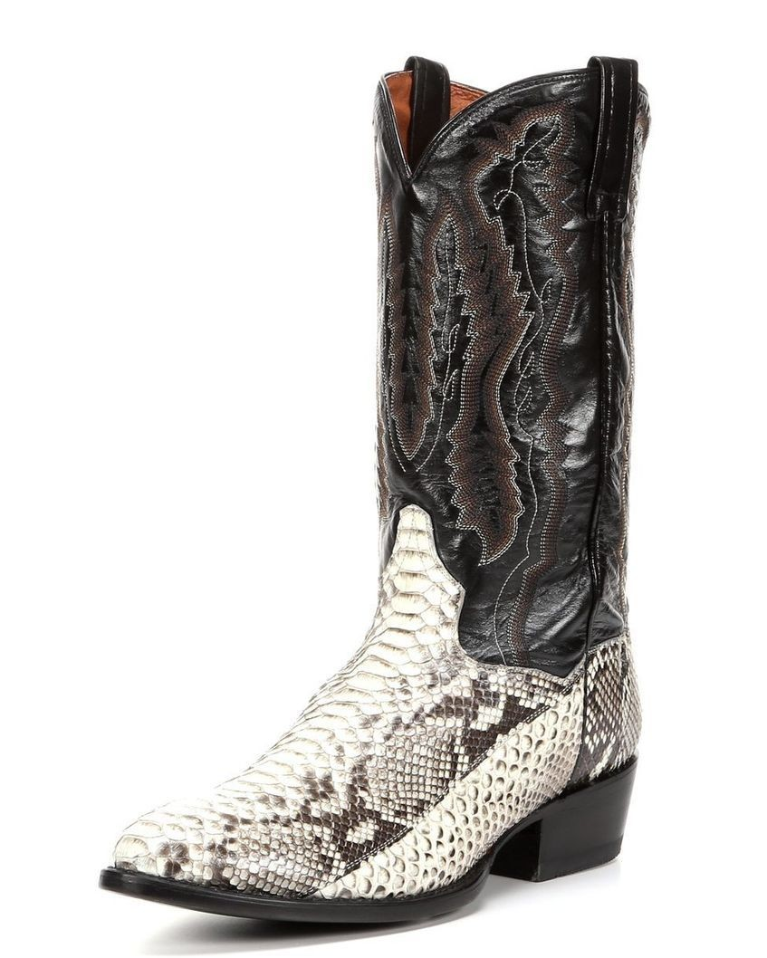 Space Cowboy Kacey Musgraves: 5 Black Friday Boot Deals Perfect For The Cowgirl Or