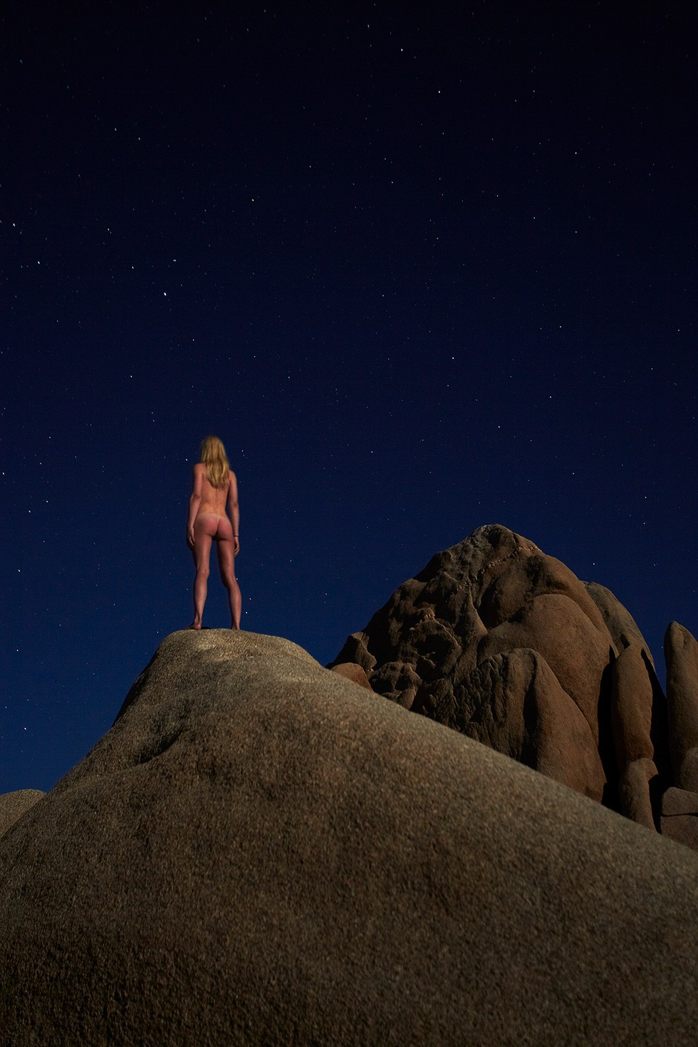 See Gorgeous Photos of Nudes In Front of the Supermoon