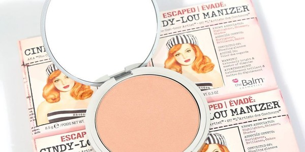 theBalm Cindy-Lou Manizer Highlighter