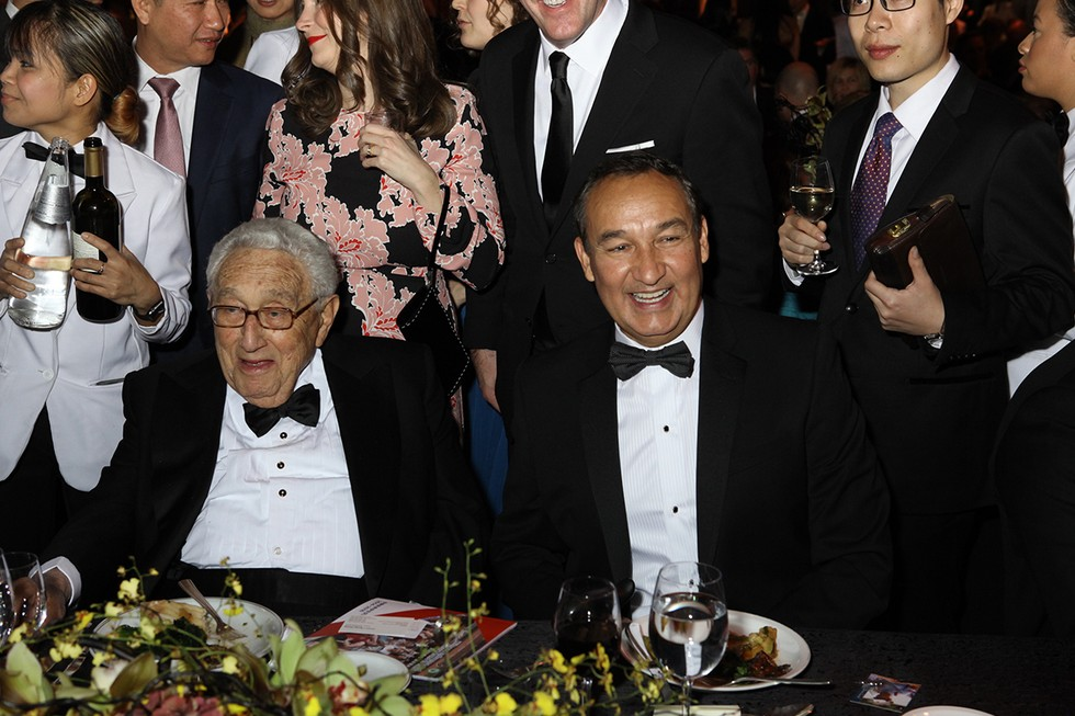 United CEO, Oscar Munoz pictured with former U.S. Secretary of State, Henry Kissinger