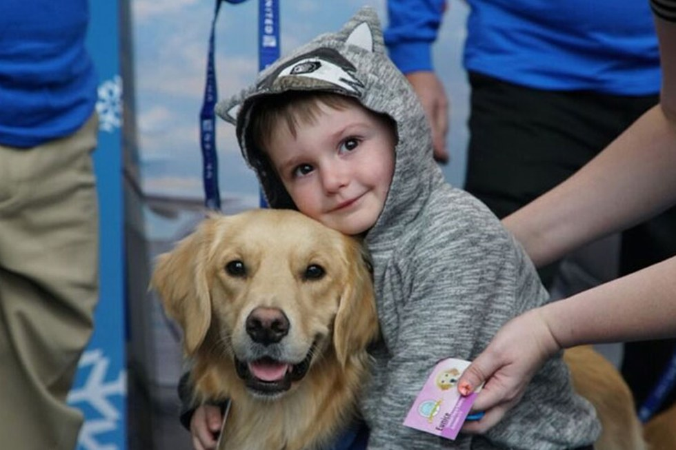 Our United Paws comfort dogs were a big hit at airports this holiday season.