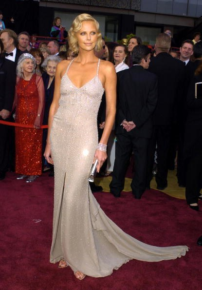 Charlize Theron in Gucci at the 76th Academy Awards (2004)